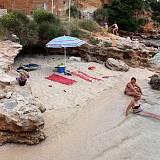 Apartmány a pokoje Barbat 5005, Barbat - Nejbližší pláž