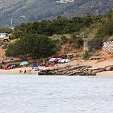 Apartmány Barbat 12419, Barbat - Nejbližší pláž