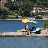 Ferienwohnungen Supetarska Draga - Donja 3298, Supetarska Draga - Donja - Nächster Strand