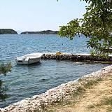 Ferienwohnungen Supetarska Draga - Gornja 17675, Supetarska Draga - Gornja - Nächster Strand
