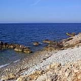 Ferienwohnungen Jakišnica 4177, Jakišnica - Nächster Strand